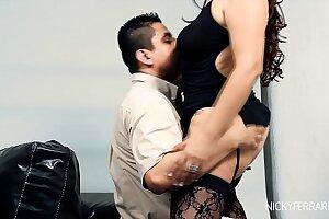 Busty Sexy Latin Cougar Fucks a taxi driver
