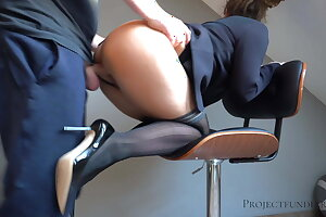 workman uses female boss - creampie pussy, projectsexdiary