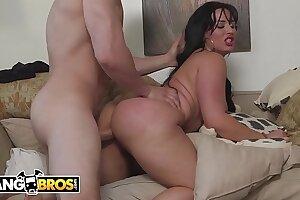 BANGBROS - Latin Housekeeper Carmen De Luz Almost Got Too Much Ass. Dayum.